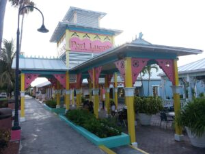 le marché de Port Lucaya à l'île du Grand Bahama