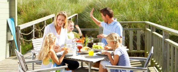 vacances en famille petit dej : meltour spécialiste du voyage sur mesure