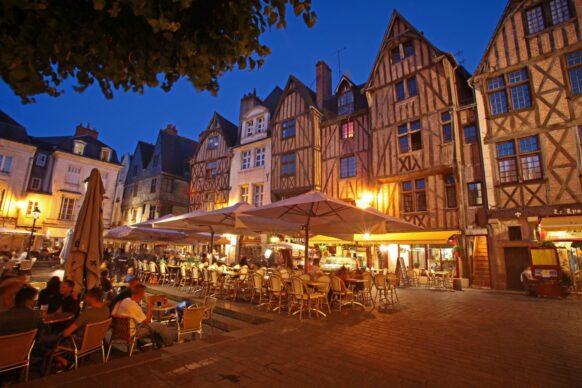 """Place """"Plum"""" ou Place Plumereau à Tours"""