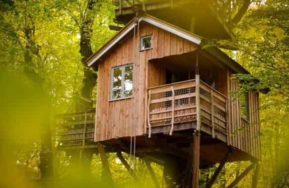 cabane dans les arbres aux Naturelles Insolites à Pronleroy dans l'Oise