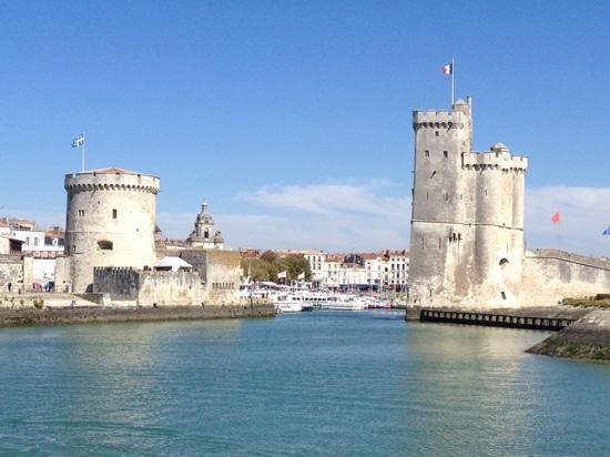 Tours de La Rochelle : tour de la chaine et saint nicolas