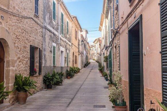 Visiter la ville historique d'Alcudia