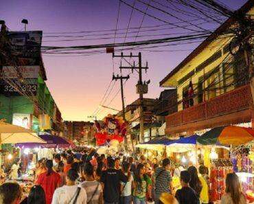 rue piétonne de Wualai à Chiang Mai